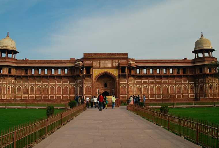 Magnificent Tour of Incredible India